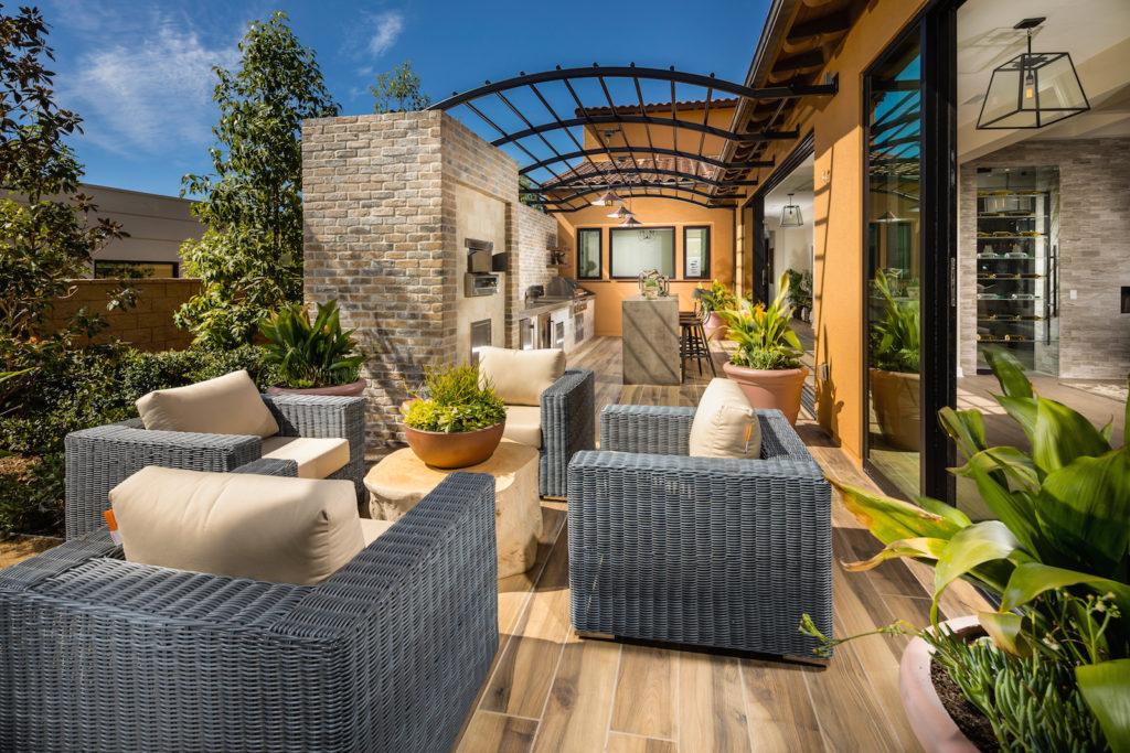 luxury homes Chatsworth, CA